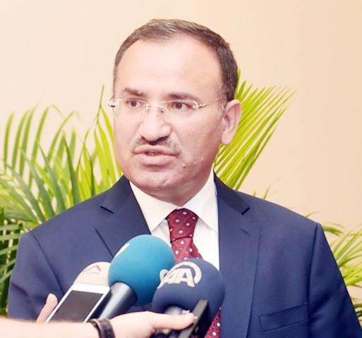 Bozdağ: Gazetecilik faaliyeti  nedeniyle tutuklu yok
