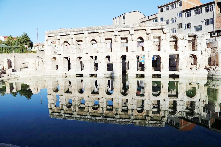 Tarihi Roma hamamı  UNESCO yolunda