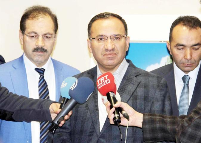 Bozdağ: CHP, Atatürk'ün mü yoksa  PKK'nın, FETÖ'nün izinden mi gidiyor