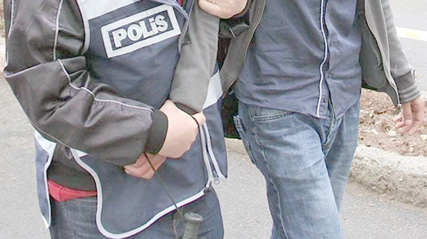 7 kamu personeli gözaltına alındı