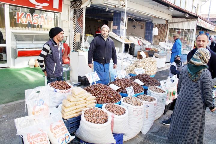 Köylü pazarı esnafı 'Kapalı  Pazar' heyecanı yaşıyor