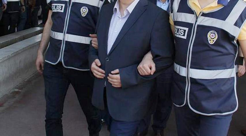6 kamu personeli FETÖ'den tutuklandı
