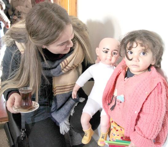 Öğrenciler'den Irak'lı ailelere yardım