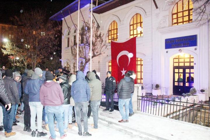 İptal edilen öğrenci konseyi  seçimine ülkücülerden protesto