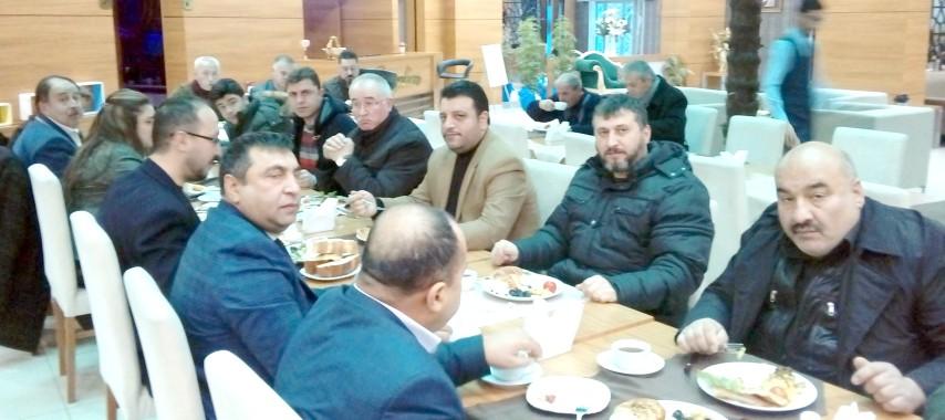 Emlakçılar Derneği kahvaltısında  emlakçılar buluştu