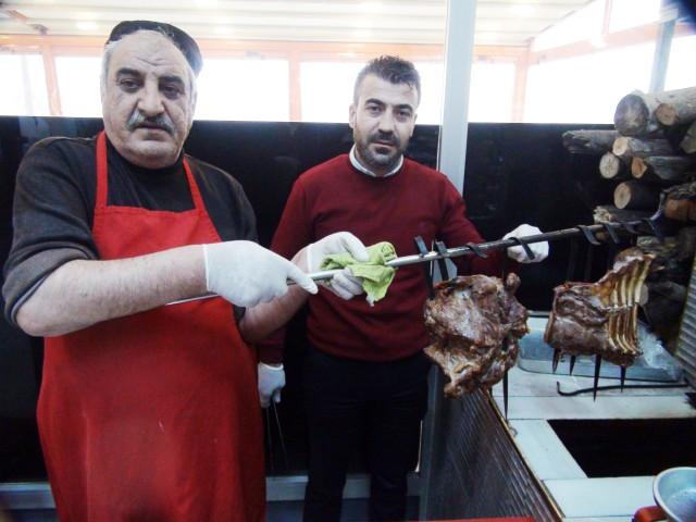 Yozgat'a gelen misafirler  tandırı tatmadan gitmiyor