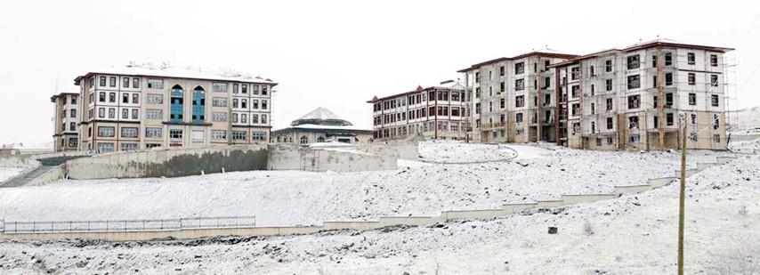 Vali Yurtnaç: Yozgat'ın her  köşesinde bir  şantiye var