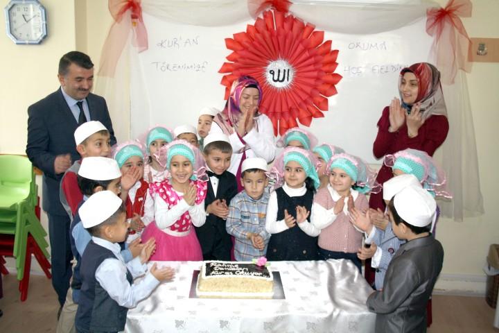 Kuran-ı Kerim okuyan  çocuklar için tören düzenlendi