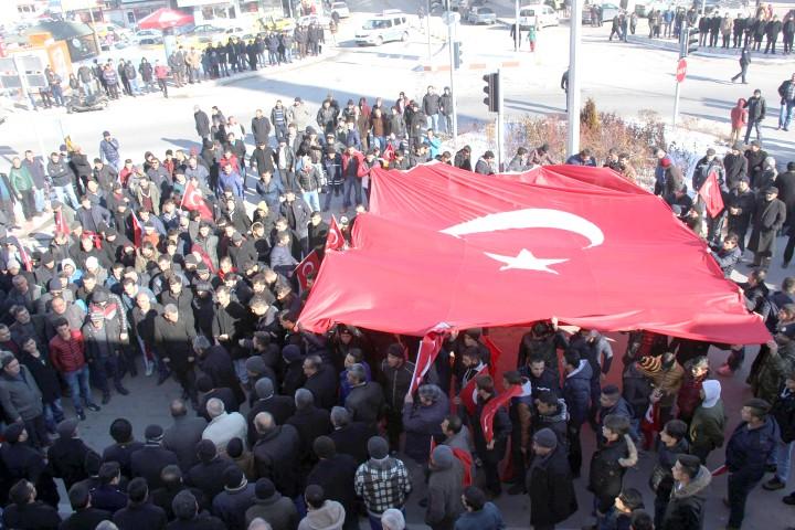 Sarıkaya'da teröre lanet yürüyüşü düzenlendi
