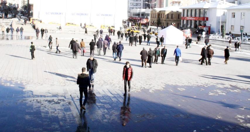 Kış güneşi, vatandaşı  sokağa döktü