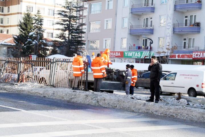 Hasar gören çitlerin onarımı yapıldı