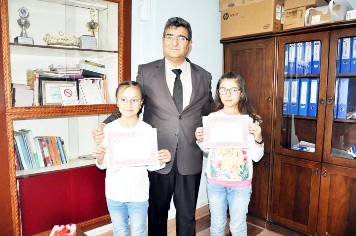 Paralarını Halepli  çocuklara bağışladılar