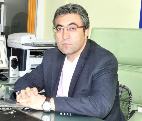 Demirel: Gazeteciler toplum  adına kamu görevi yürütmektedir
