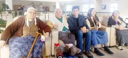 AK Gençlikten huzur veren ziyaret