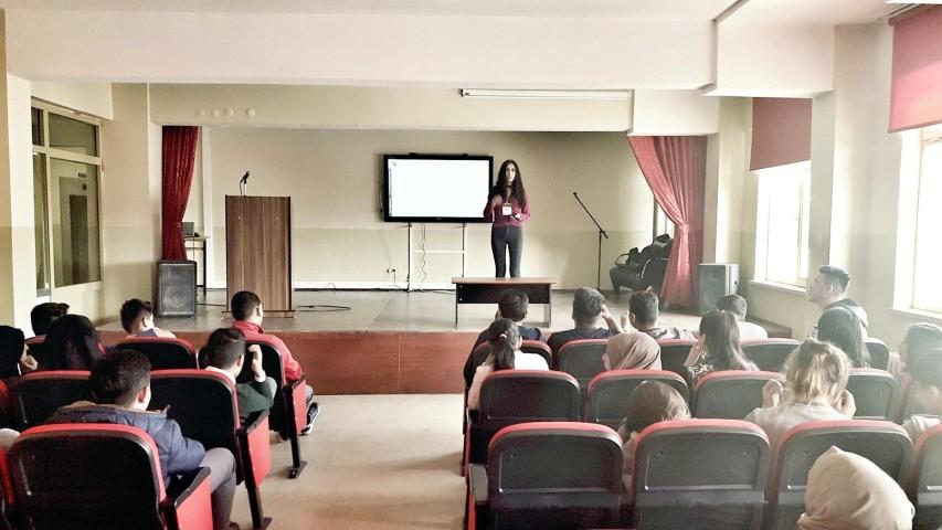 Sosyal Medya Okuryazarlığı eğitim semineri verildi