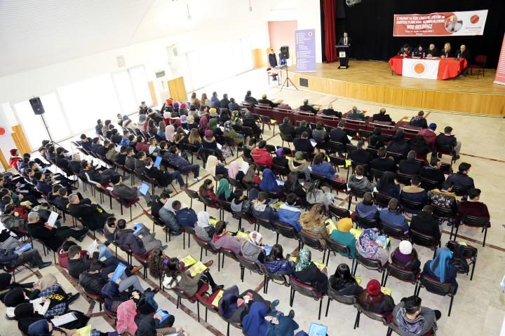 BÜ 2. kariyer semineri  Akdağmadeni'nde başladı