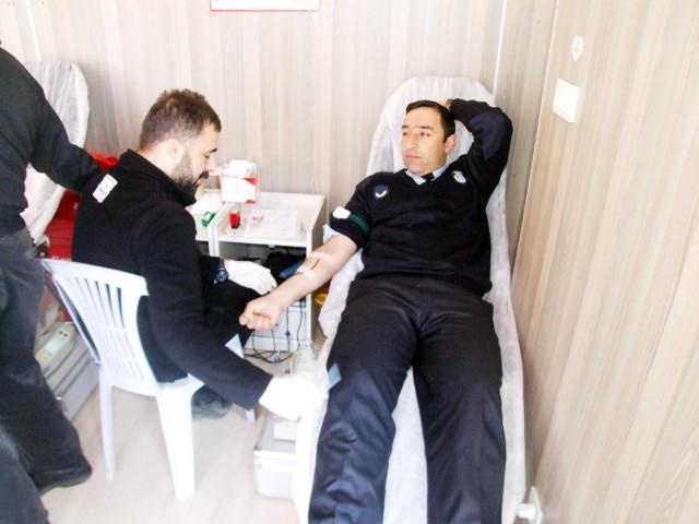 Zabıtadan kan bağışına destek