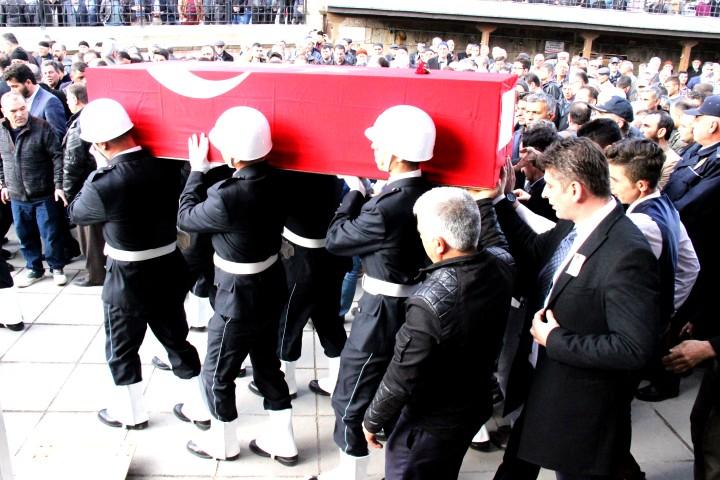 Görevi başında vefat eden komiser  Arslan, son yolculuğuna uğurlandı