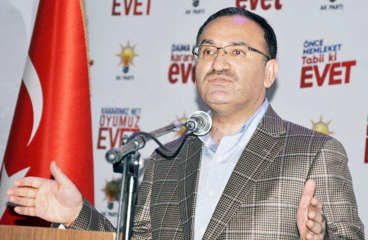 Bozdağ: Türkiye aleyhine  çalışan herkes himaye ediliyor