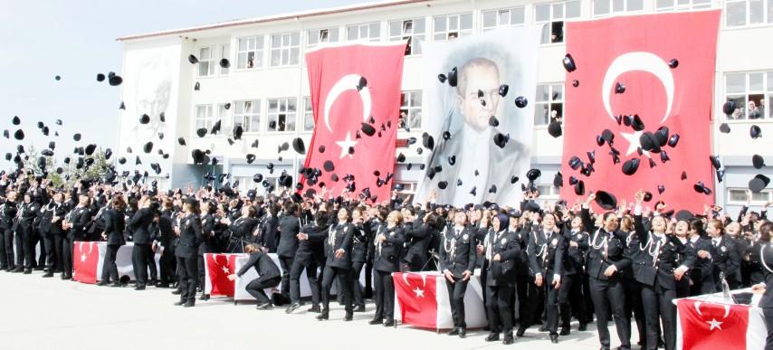 POMEM'de bin 100  öğrenci mezun oldu