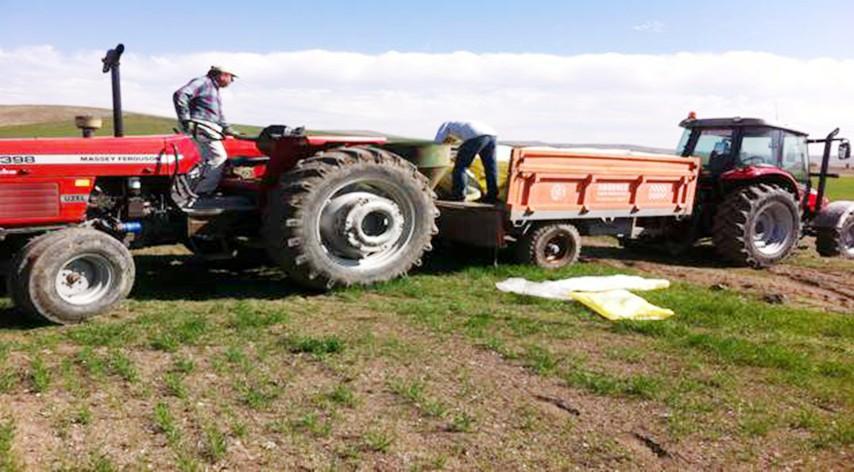 Yozgat'ta hububat alanlarında  gübreleme çalışmaları başladı