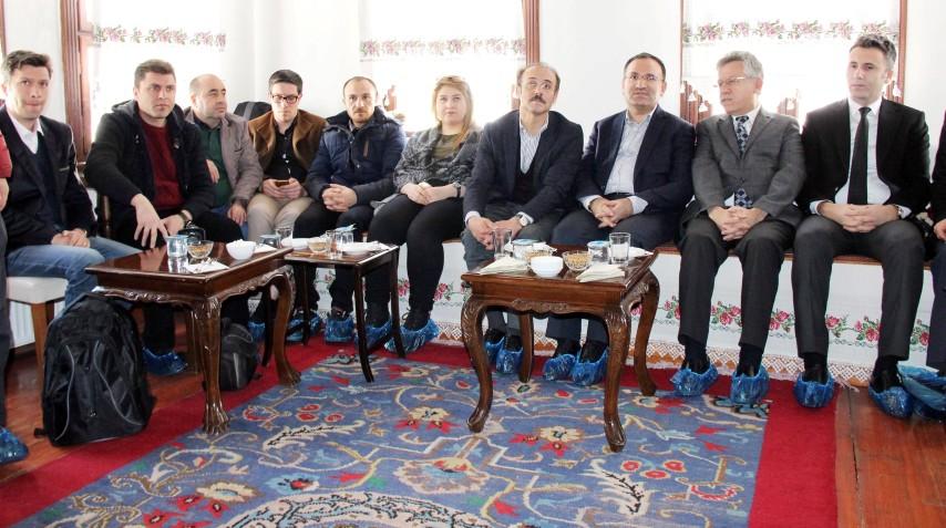 Bakan Bozdağ, Gazetecilerin  sorun ve isteklerini dinledi