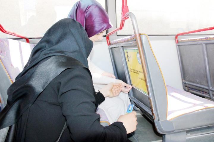 Necip Fazıl'ın şiirleri halk otobüslerine asıldı