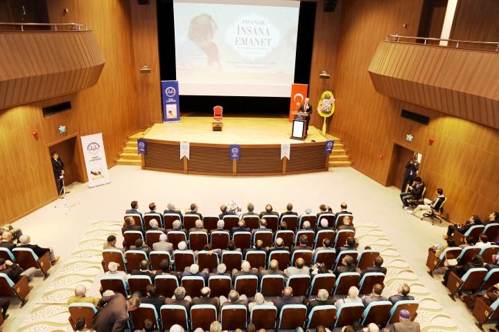 """Rektör Karacabey'den """"HZ Peygamber  ve Güven Toplumu"""" Konferansı"""