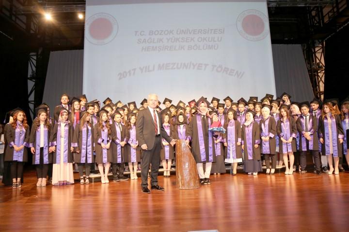 Öğrenciler mezuniyet sevinci yaşadı