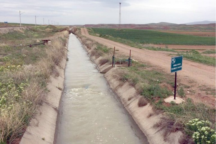 """Çiftçilere """"su tasarrufu"""" uyarısı"""