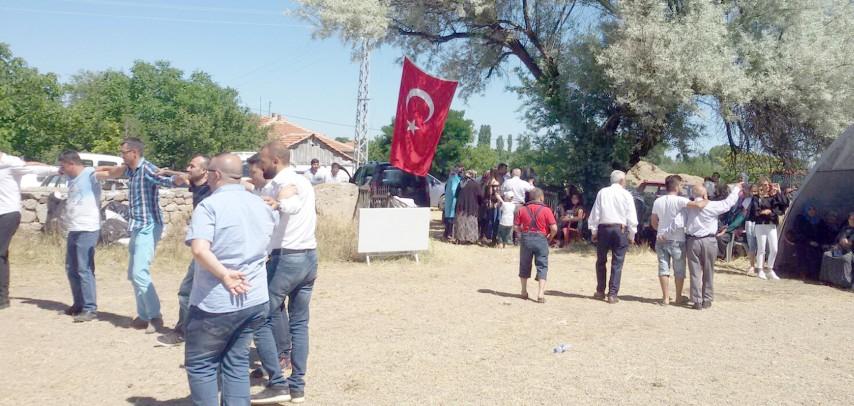 Alifakılı Köyü 3. Pilav Şenliğinde bir araya geldi