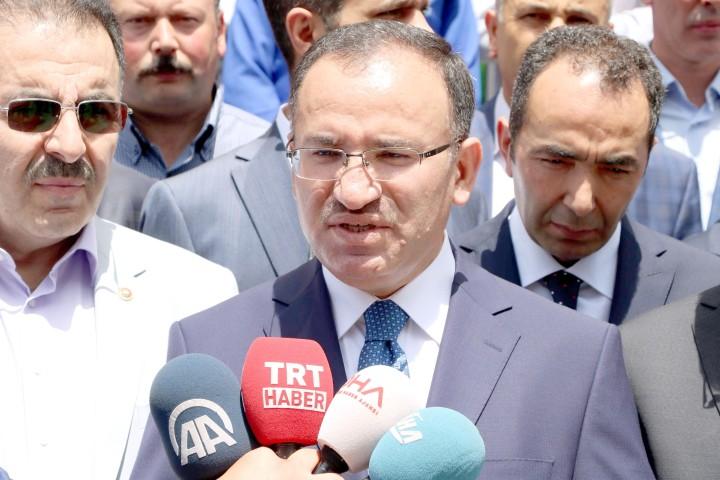Bozdağ, Kılıçdaroğlu milletin gözünün  içine baka baka yalan söylüyor