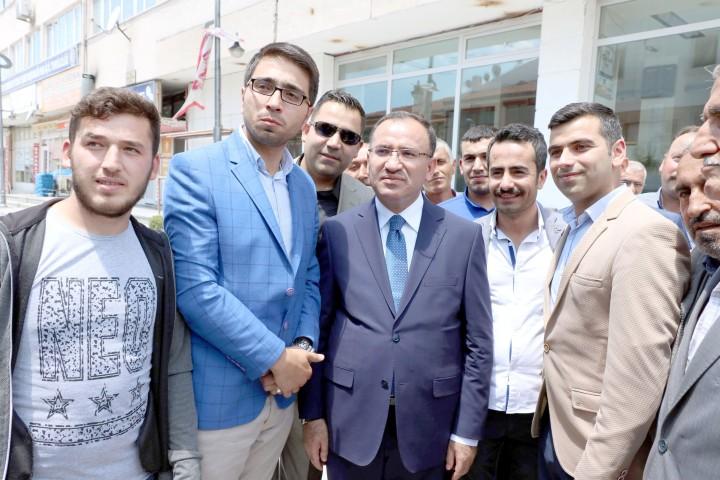 Bozdağ: Gülen'in yaptığı açıklamaların Türkiye'de  genel başkan düzeyinde avukatlığını CHP yapmaktadır