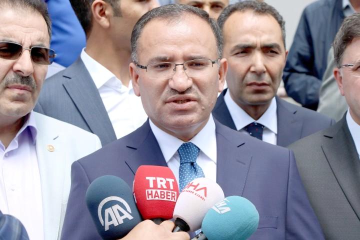Bozdağ: Türk yargısının kararını etkileyeceğini  düşünenler boşuna yoruluyorlar
