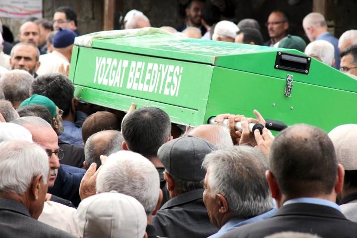 Yazarel, ailesinin acı günü
