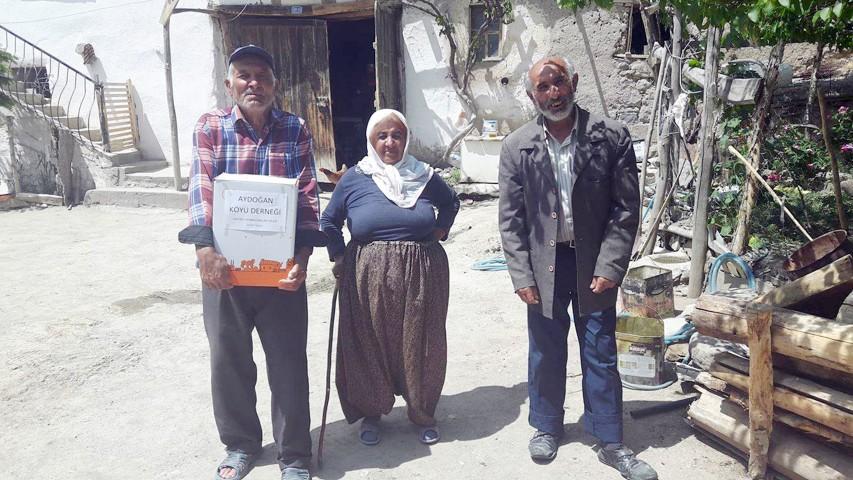 Aydoğan Derneği'nden kendi  köy sakinlerine ramazan paketi