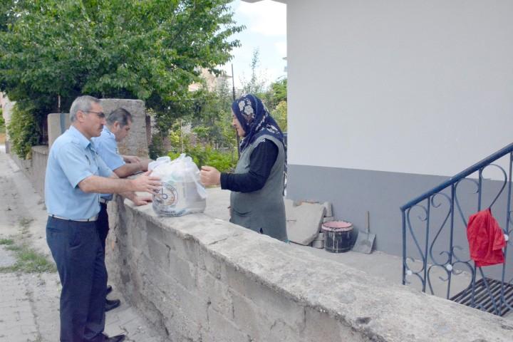 Sorgun Belediyesi'nden gıda yardımı
