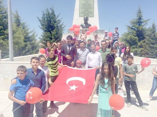 Öğrenciler Şehitliği ve 15 Temmuz sergisini gezdi