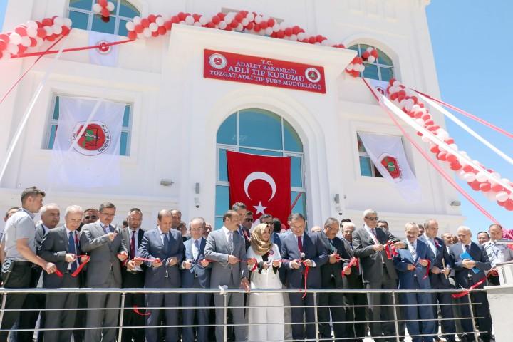 Adli Tıp Kurumu Şube Müdürlükleri  Türkiye'nin 81 ilinde faaliyete geçecek