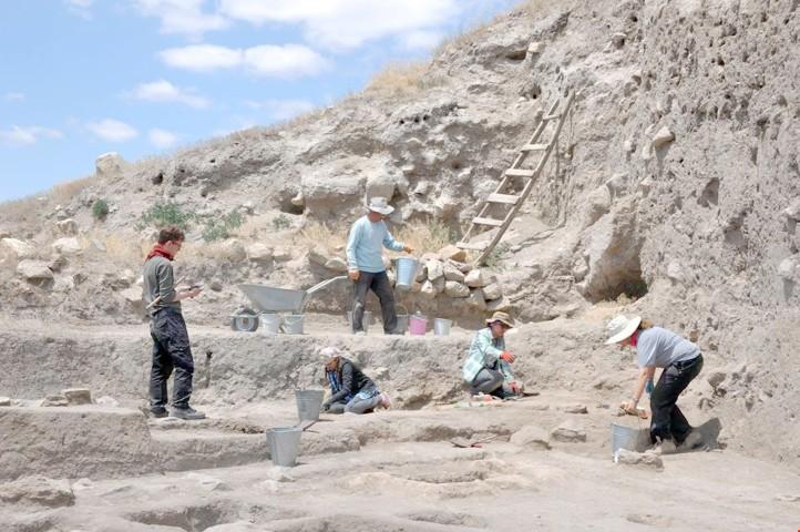 Çadır Höyük'te 5 Bin yıllık  tarih gün yüzüne çıkıyor