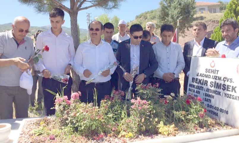 Aydıncık'ta 15 Temmuz etkinlikleri  şehitlik ziyareti programıyla başladı