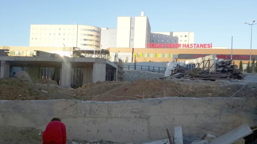 Erdoğan'ın hayalim dediği hastane konut inşaatları ile kapatılıyor