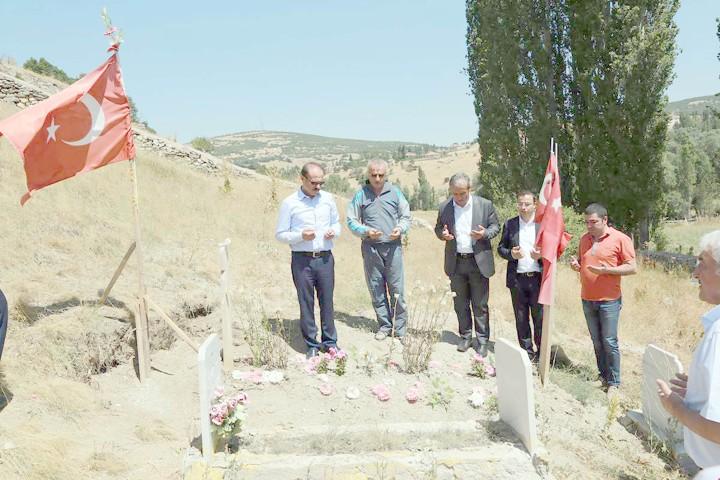 Vali Yurtnaç: Şehit ailesini ziyaret etti