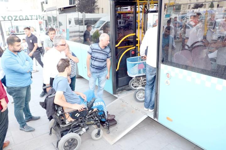 Halk otobüsleri engelli  vatandaşlar için yenilendi