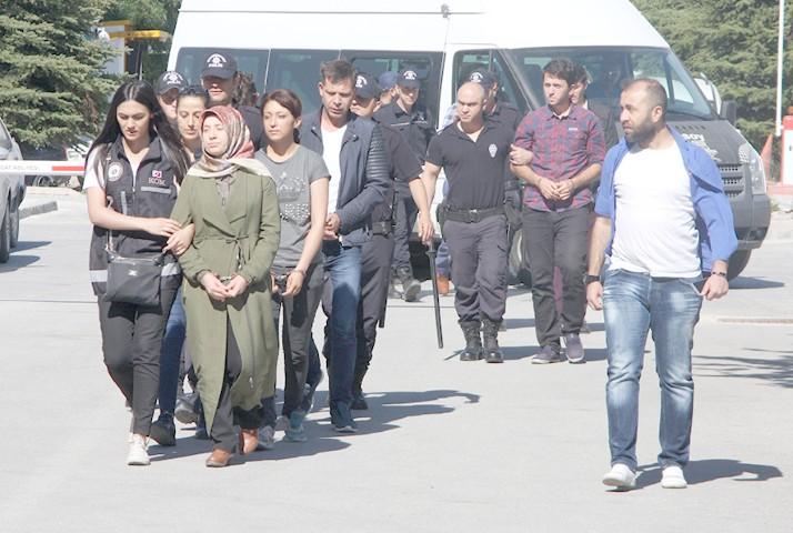 FETÖ operasyonunda 2 kişi tutuklandı
