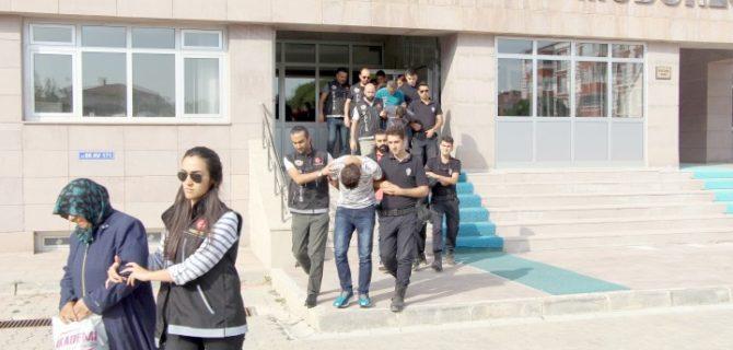 Uyuşturucu operasyonu'nda 8 kişi tutuklandı