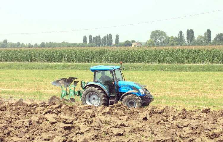 Anadolu Motor, Yozgat'lı çiftçilerle buluşuyor
