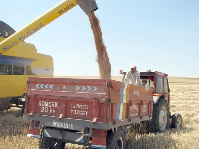 Fakıbaba: Küçük çiftçileri destekleyen  projelerimiz ortaya çıkacak