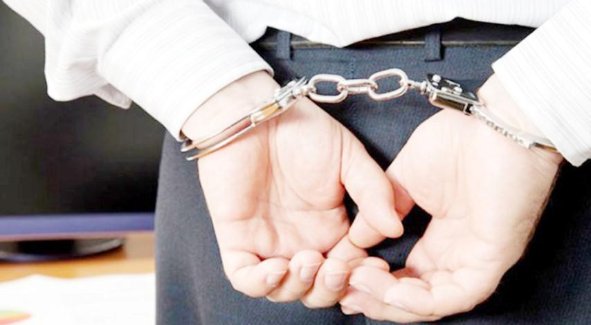 FETÖ bahanesiyle 20 bin lira  dolandırdı, kaçamadan yakalandı