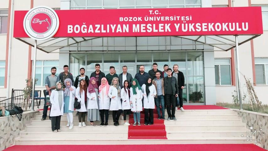Veteriner ve laborant bölümü  öğrencileri hayvan çiftliğini gezdi